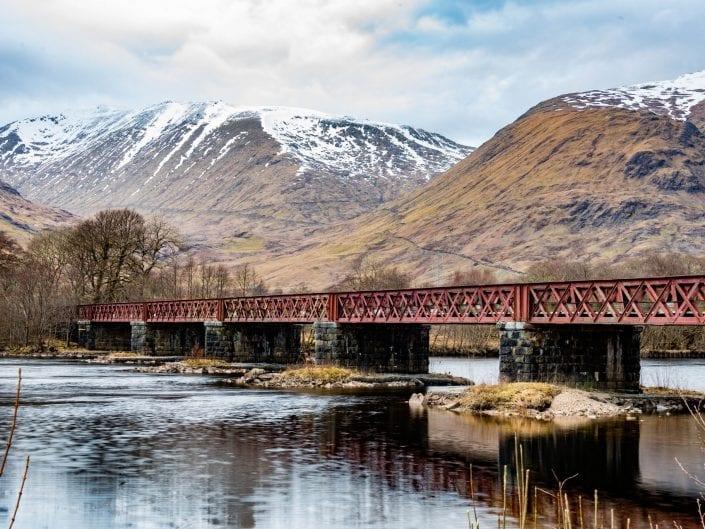 landscape photo, scotland, crossing, bridge river Kilchurn