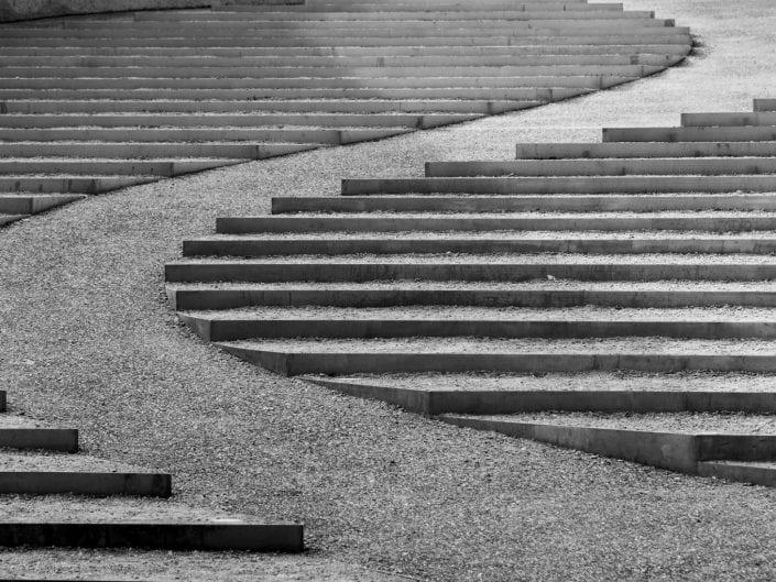 architecture photo, Vroenhoven Belgium, bridge, aphitheatre, black and white, stairs curve