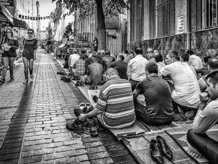 black and white street photography outside a mosque in Istambul Turkey