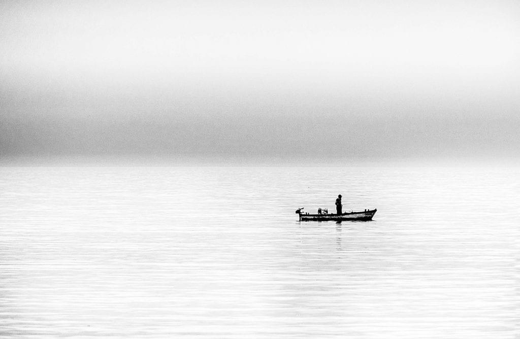 minimalist landscape photo black and white seascape